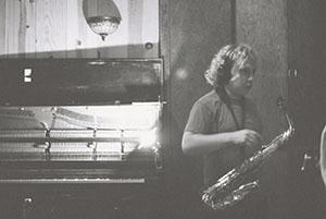 Tony piano 300